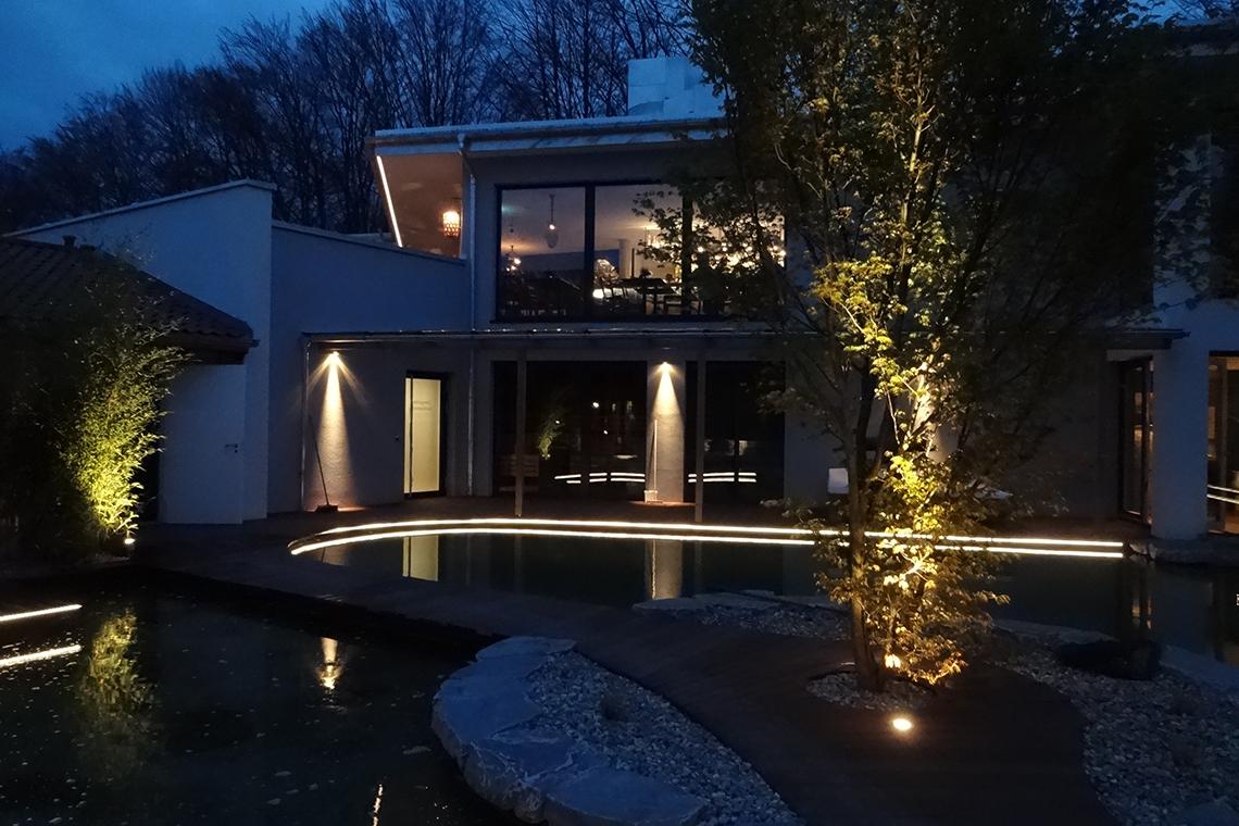aussenbeleuchtung alle fotos perschl perschl lichttechnik. Black Bedroom Furniture Sets. Home Design Ideas
